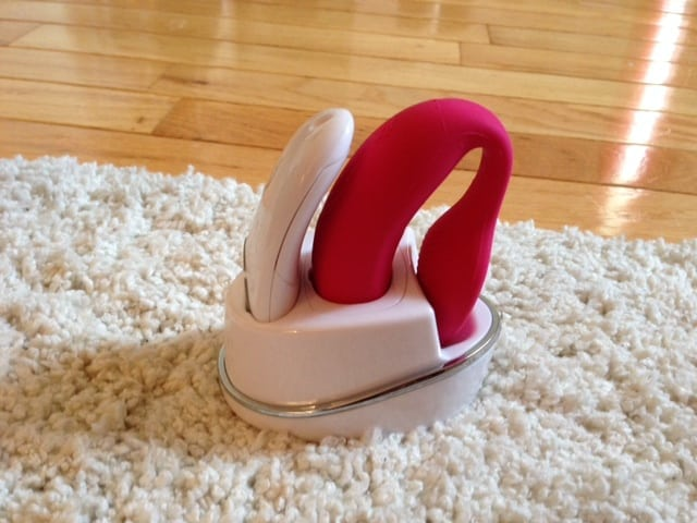 we vibe review, sex toy charger