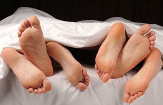 15 Things No One Tells You About Having a Threesome