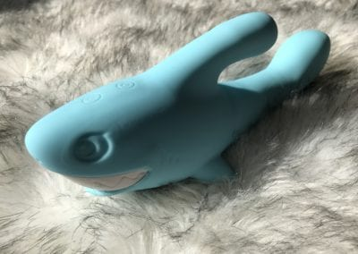 Emojibator Shark Review